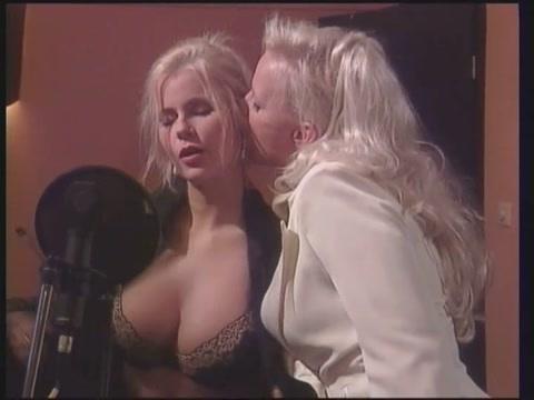 gina lesbian scenes